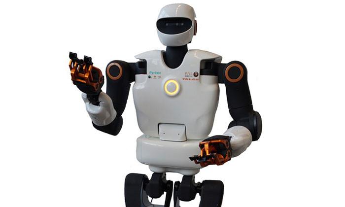 pyr u00e8ne   u00ab premier  u00bb robot humano u00efde d u00e9di u00e9  u00e0 l u0026 39 a u00e9ronautique